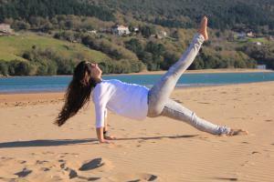 pilates leg pull back 2
